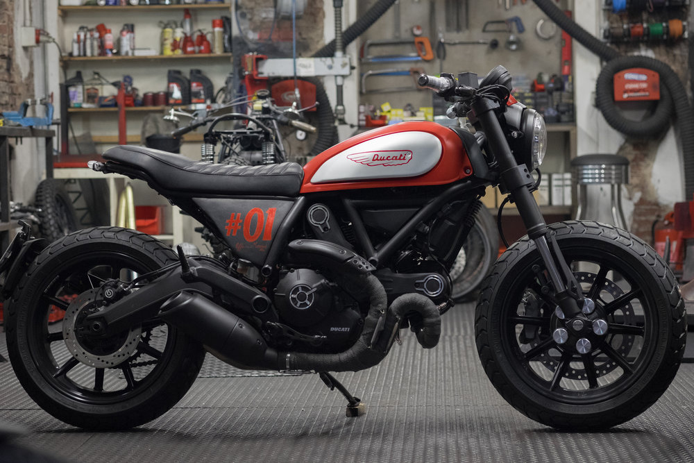 Marca:    DUCATI Modello:    Scrambler 800 Special Edition by Officine Mermaid Cilindrata:   800 C.C. Prezzo:   SOLD OUT S 05