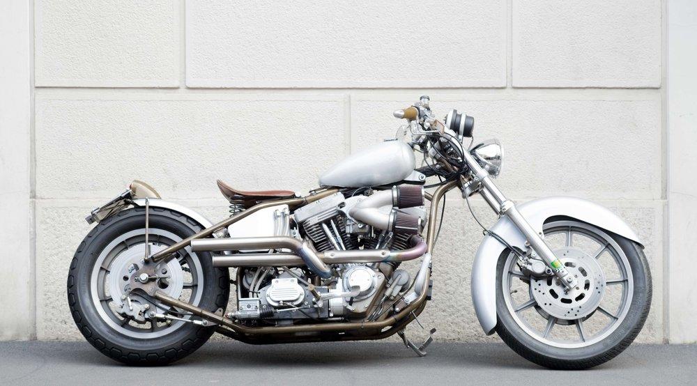 Marca:  Samurai Chopper Modello:  Bullet Train (Progetto cupolino come N* 0001 su richiesta ) Cilindrata:  1851 C.C. Prezzo:  29,000 €     000 5