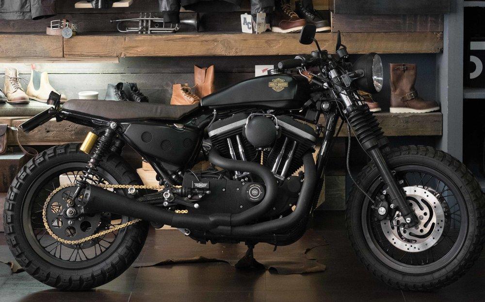 Marca: Harley Davidson Modello: 883R   Prezzo: 13,500 €    00 117