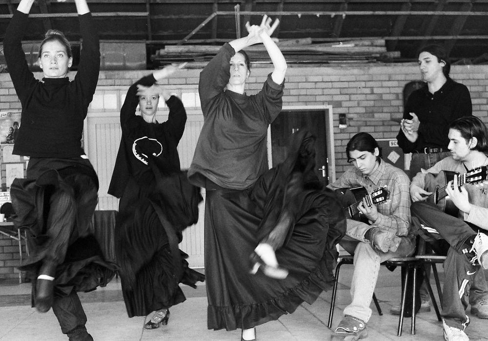2000 Peña Flamenca - 02.jpg