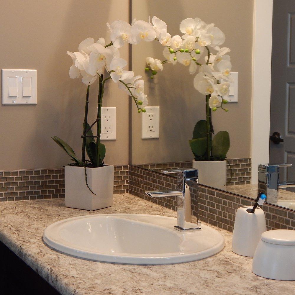 bathroom-881122_1920.jpg