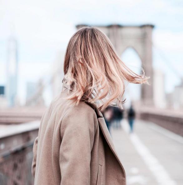 4 tips pour entretenir des cheveux colorés ou méchés