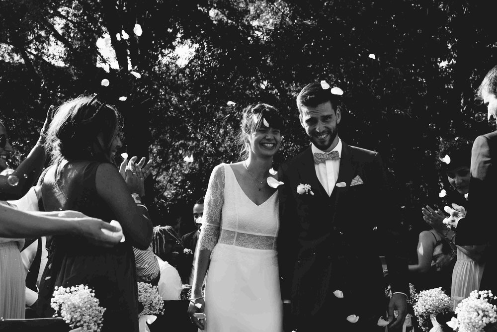 reporthair-coiffure-maquillage-mariage-robe-roses-frange-chignon-flou