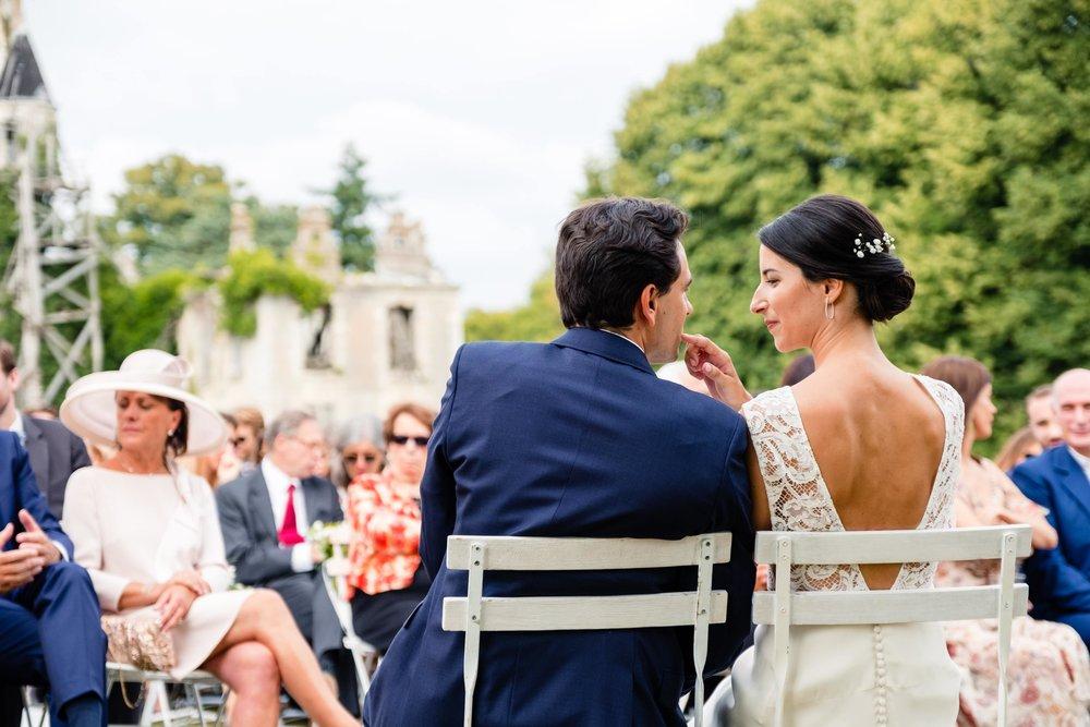reporthair-coiffure-maquillage-mariage-chignon-bas-fleuri