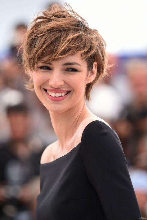 Coupe courte femme cheveux souples