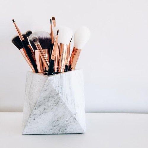 Maquillage : materiel indispensable et bons gestes à adopter