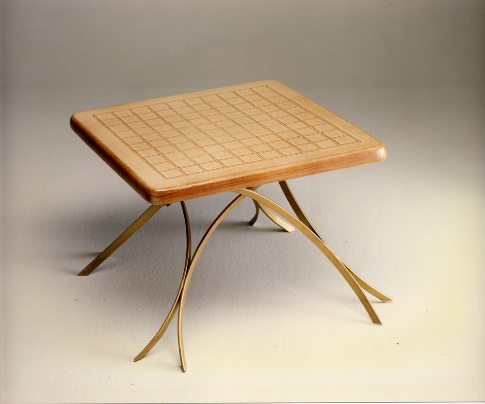 int tavolo quadrato maiolica lama.jpg