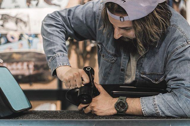 🕓 x 🛹 _________________________________ 📸: @anthonynassar  #watches #skate #skateboarding #gshock #casio #rugged #watchiftheday #watchesofinstagram #windsor #yqg