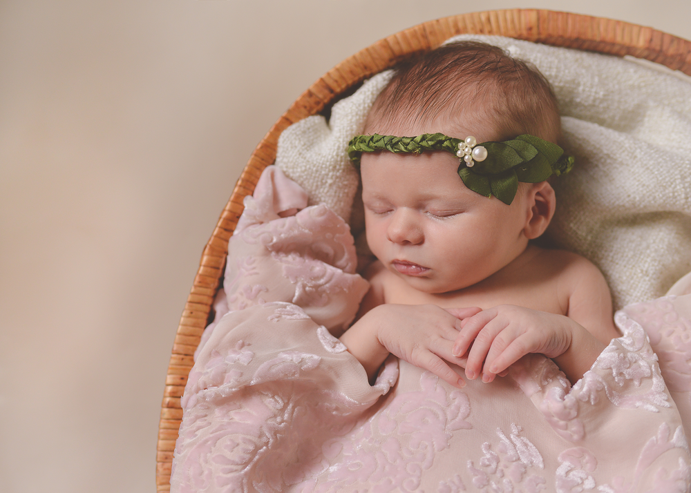 Newborn Photography - Signature Lime - Indianapolis Indiana