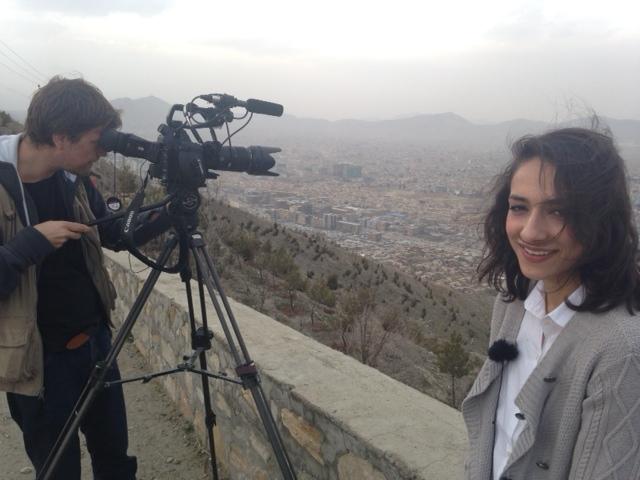 Opptak i Kabul for Røde Kors, med TV2s Mah-Rukh Ali