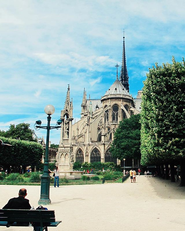 The first time I saw her back in 2011 . . . . . #travel #TLPicks #LiveTravelChannel #tripstagram #traveltuesday #BBCTravel #travelbug #globetrotter #traveldeeper #trip #simplytrafalgar #wanderlust #peoplescreatives #dametraveler #fernweh #vacation #VSCOcam #viaje #dailyescape #natgeo #fodorsonthego #traveladdict #travelstoke  #budgettravel #architecture #skymileslife #whpvibes