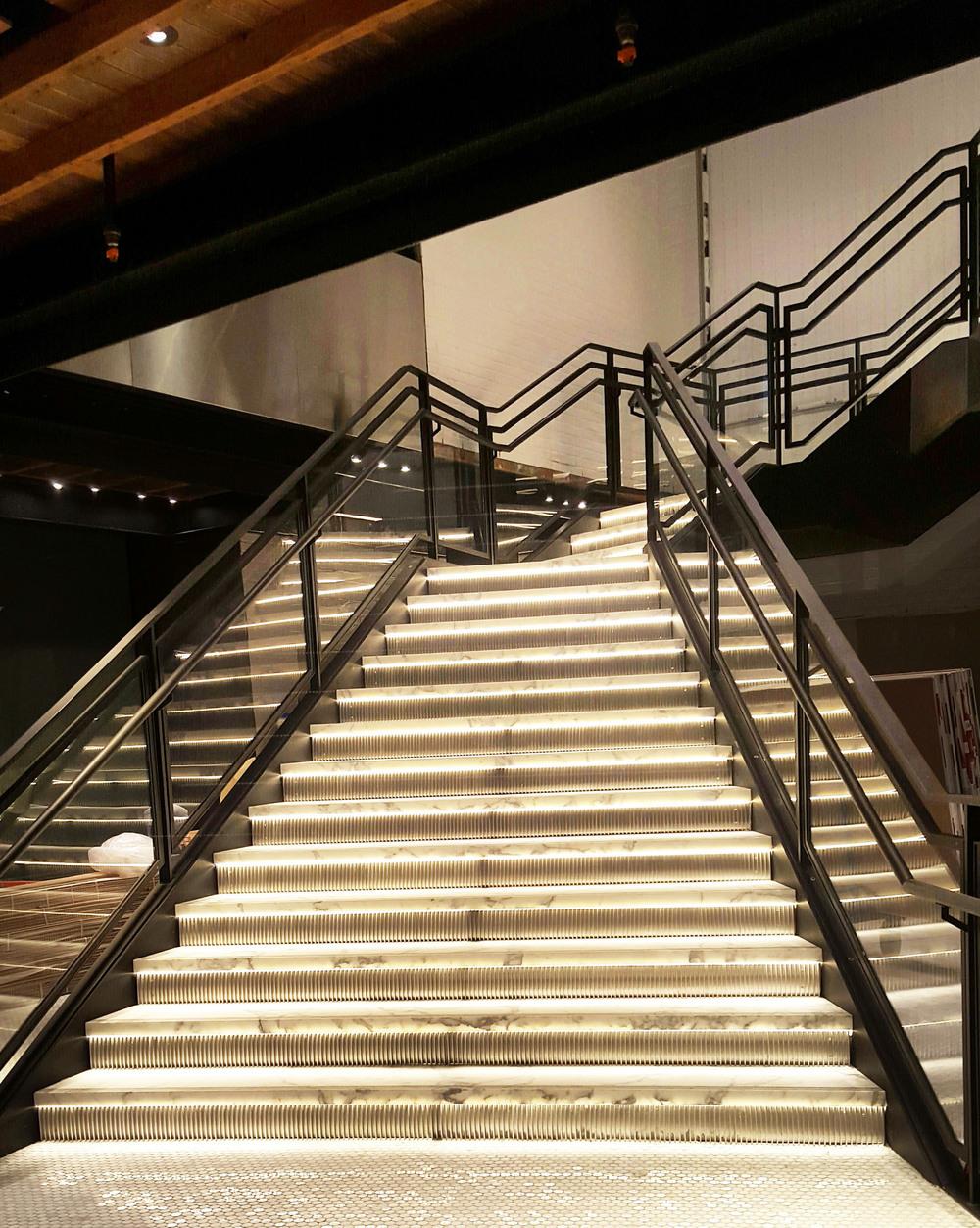 Samsung Stairs 1web.jpg