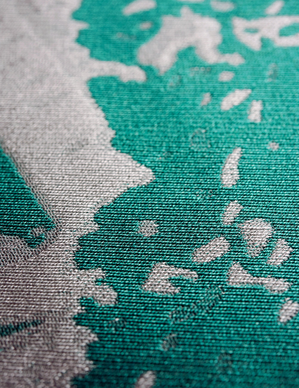 Graphic Jacquard - EXCLUSIVE TECHNIQUE, 16 PEOPLE1 FULL DAY TO WEAVE EACH SCARF.