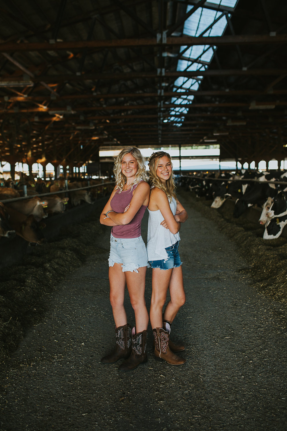 Country Sisters growing up on a farm in the PNW