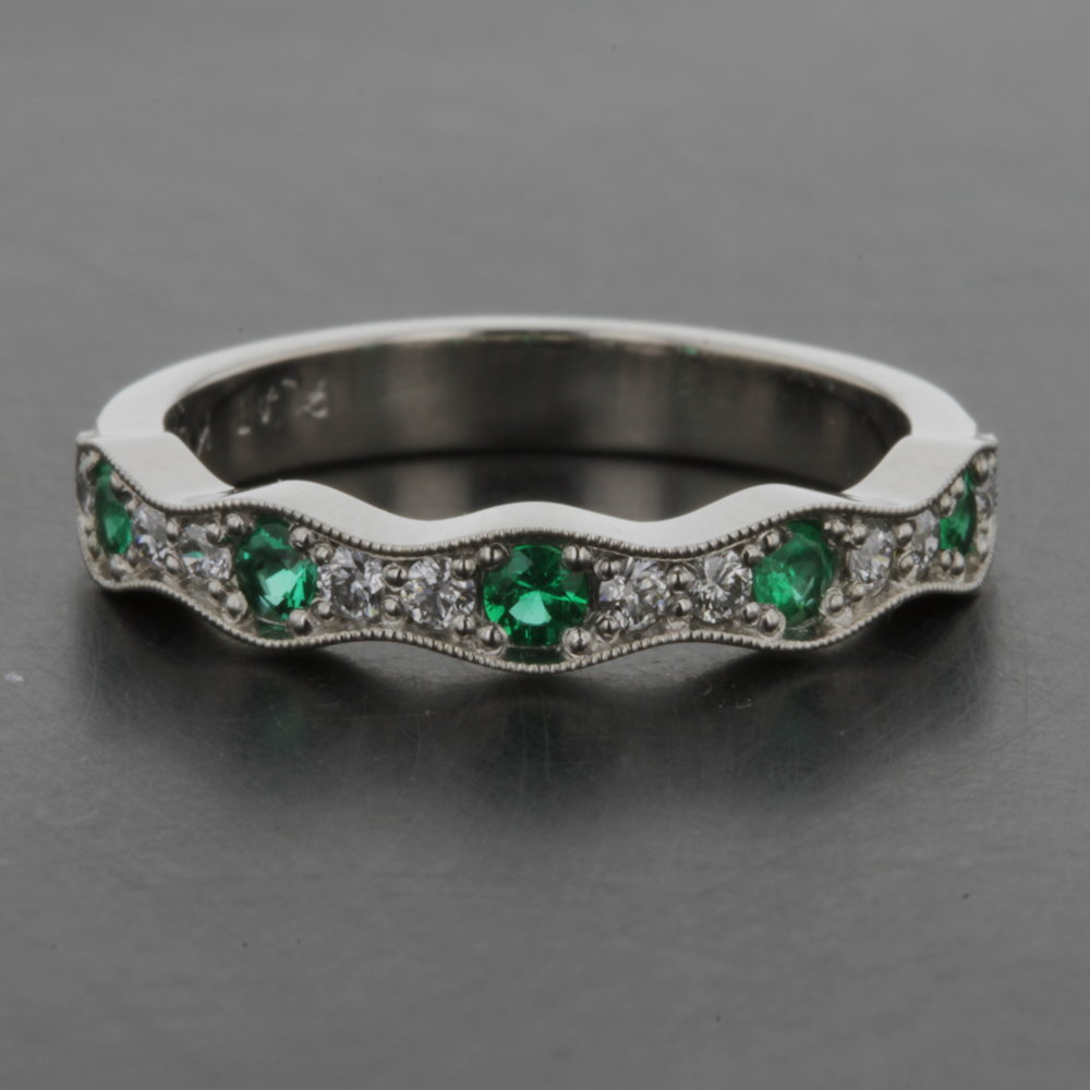 custom_platinum_emerald_diamond_band.jpg