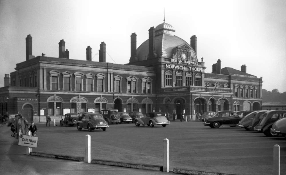 Thorpe Rd Railway Station 1955