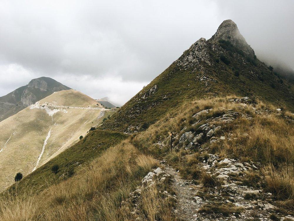 Actually contouring around mountains!