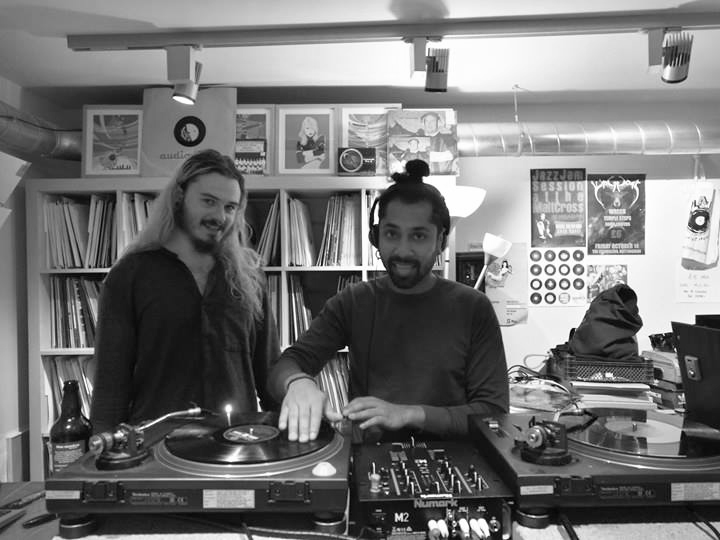 Plates Presents:     We had a welcome visit from the rogue selector Black Limelight. Tune in for 90 minutes of twisted bliss.
