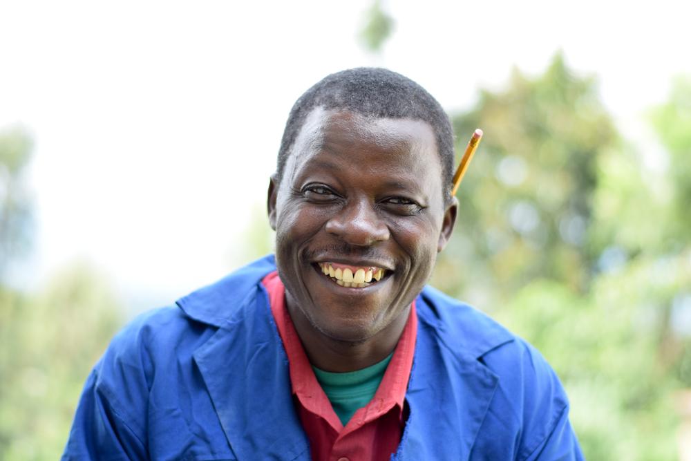 Philip, member of Nyabigena Soapstone Carvers