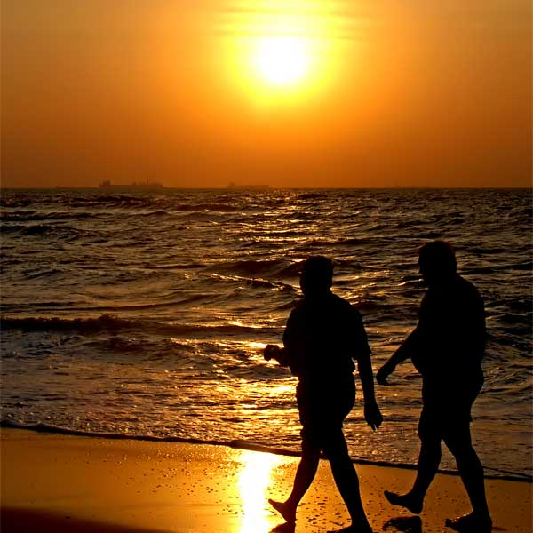 GA-Website-gallery-vWalking-beach.jpg