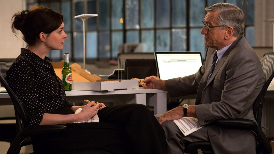 anne_hathaway_in_the_intern_-_h_2015.jpg