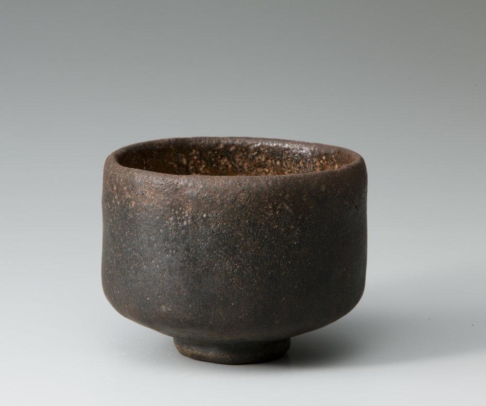 "Black Raku tea bowl named ""Mozuyaguro"" Tanaka Chōjirō 1, 16th century, Raku museum 初代長次郎 黒樂茶碗 銘 万代屋黒 桃山時代(十六世紀) 樂美術館蔵"
