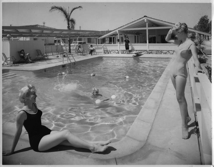 Serving you poolside realness in a totally not-staged way. Image via Pinterest