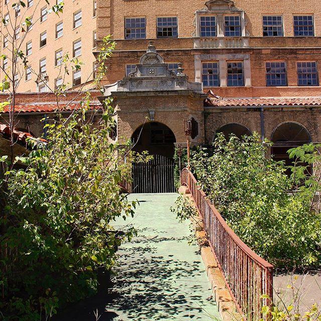 Gates are shut • • #photography #travelphotography #urban #urbanphotography #abandonedplaces #hotel #photographer #photooftheday #historic