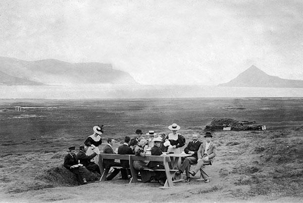 Sunday coffee in Dýrafjorður 1897.