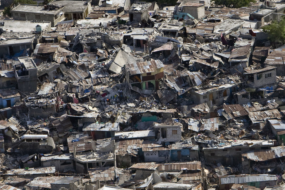 Haiti_earthquake_damage.jpg