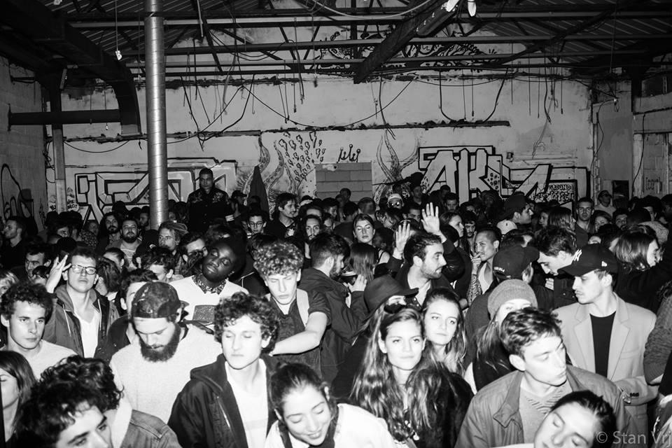 Photo d'une petite soirée Warehouse de chez Material