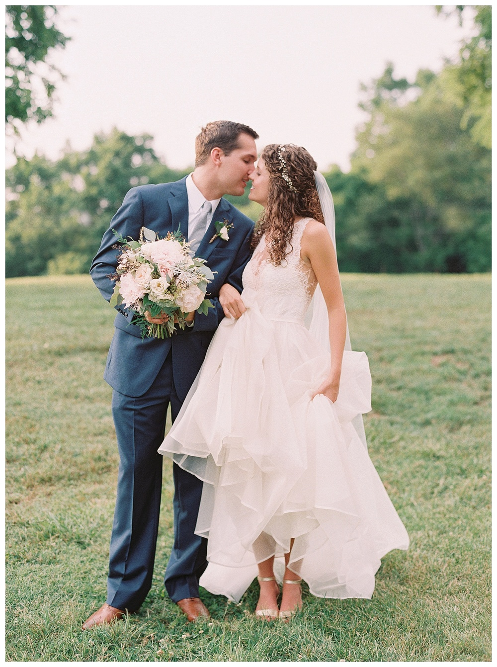 best Charlotte wedding florist with the best wedding flowers (20).jpg