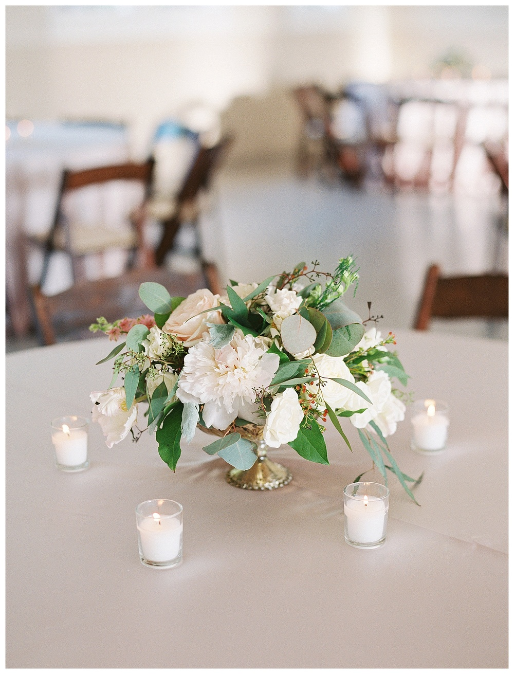 best Charlotte wedding florist with the best wedding flowers (18).jpg