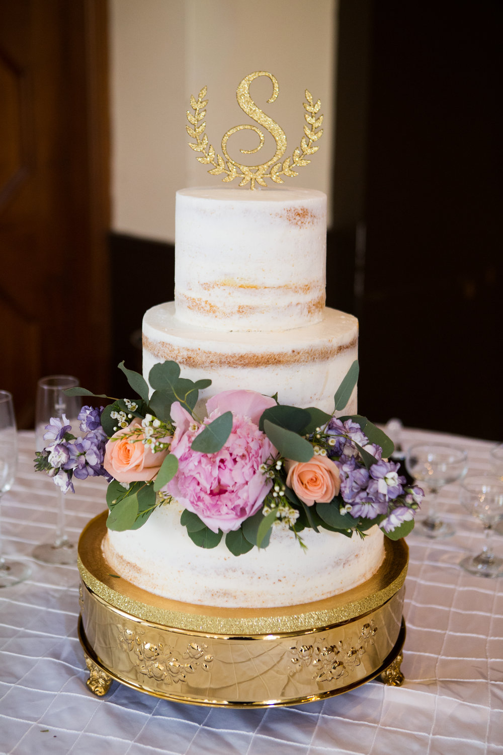 Rachel Erin Photography  Cake by Ambrosia Bakery