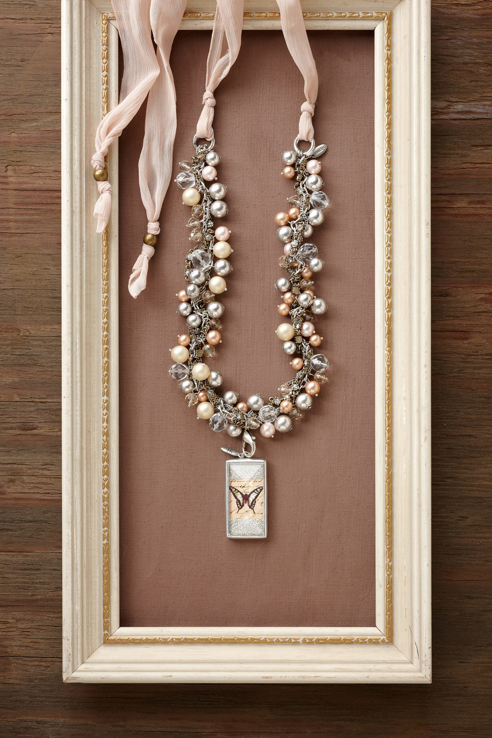Product photography Jewelry Derek Israelsen Pearl Necklace Frame