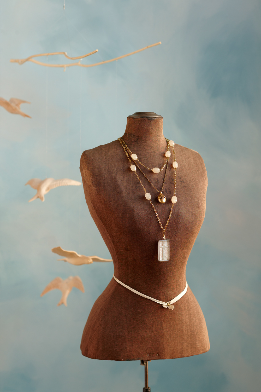 Product photography Jewelry Derek Israelsen Necklace Form Birds