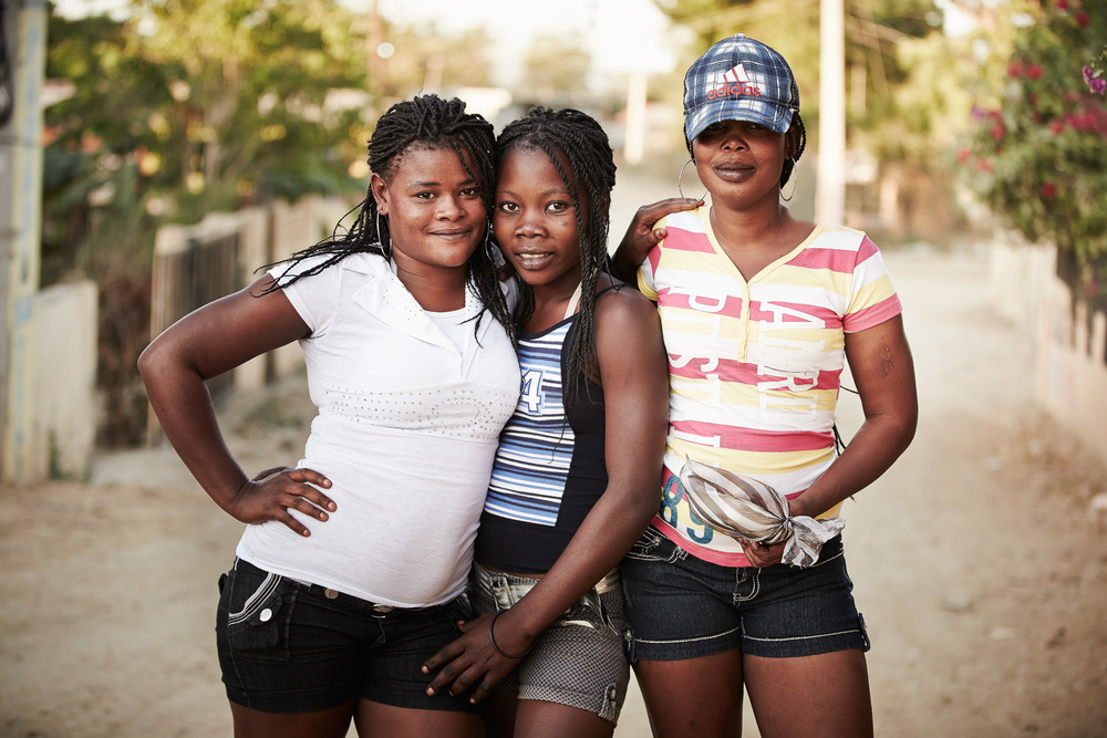 Travel Photography Dominican Republic Derek Israelsen Girls