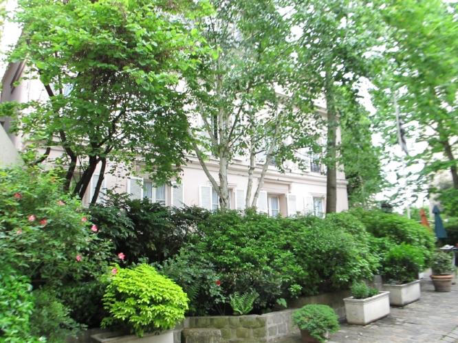 Garden of my favorite hotel in Paris.