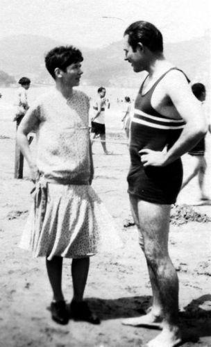 Pauline Pfeiffer and Hemingway 1927.jpg