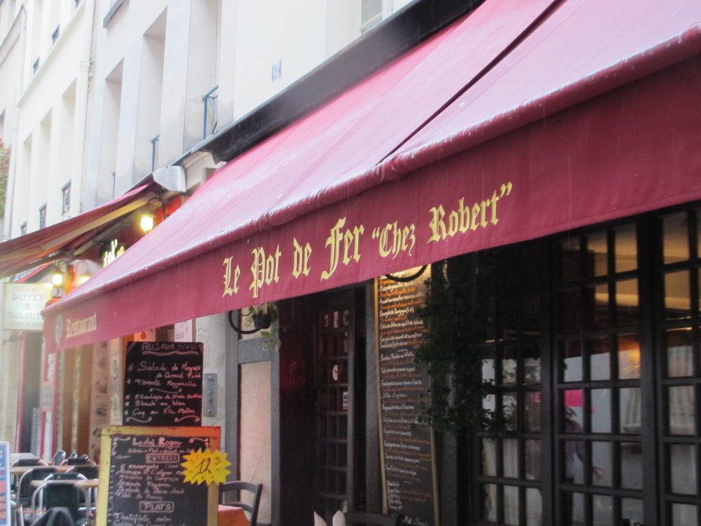 "Le Pot de Fer ""Chez Robert,"" Rue Mouffetard, Paris. Photo: Elizabeth Kemble."