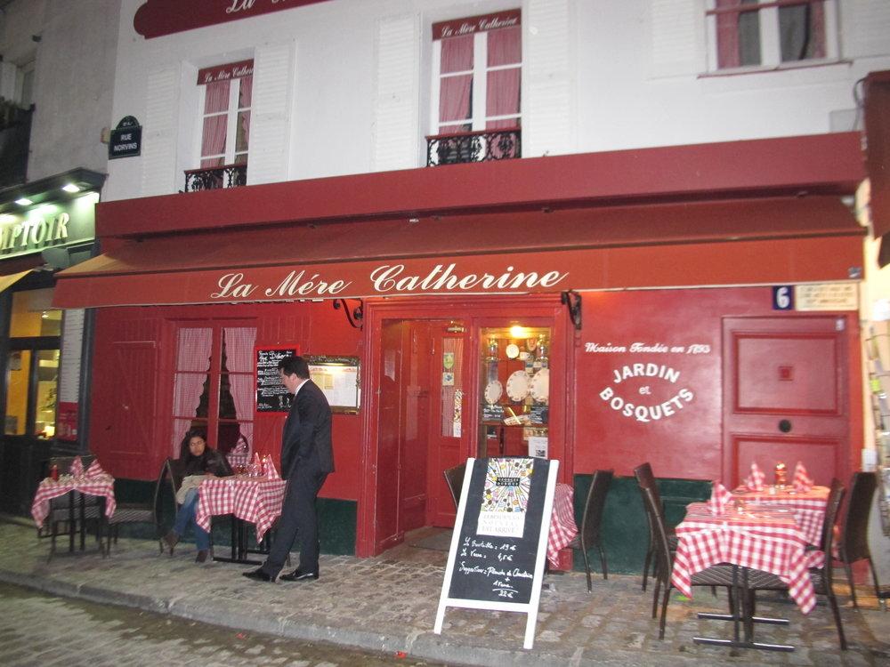 La Mère Catherine,  Montmartre. Photo: Elizabeth Kemble