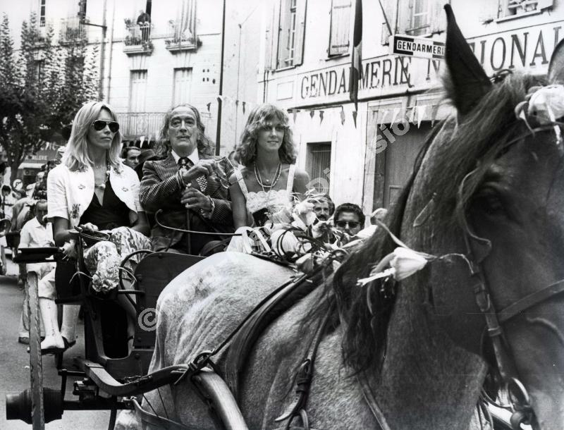 Salvador Dali arriving in  Céret  with Amanda Lear.