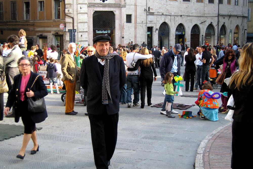 A  passegiata  (promenade) in Perugia.