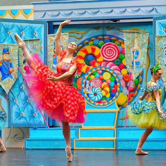 New York Theatre Ballet performing The Nutcracker Tarrytown Music Hall Tarrytown cropped.jpg