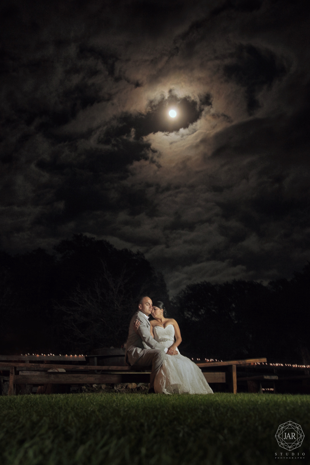 20-bride-groom-romantic-under-moon-light-night-isola-farms-jarstudio.jpg