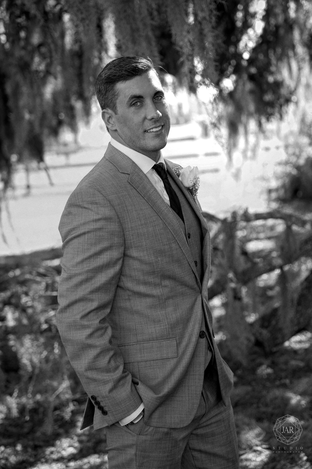03-grey-tuxedo-groom-wedding-park-jarstudio.JPG
