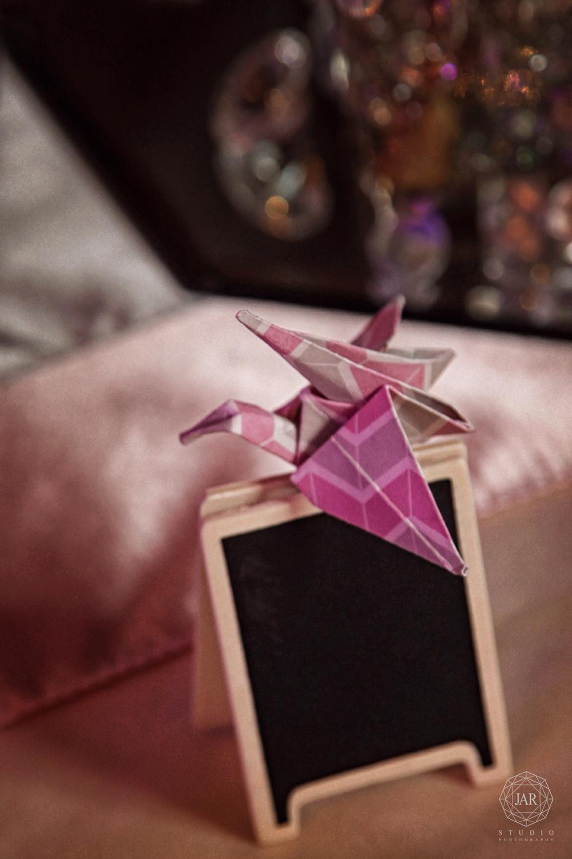 18-wedding-favors-origami-jarstudio-wedding-photography.JPG
