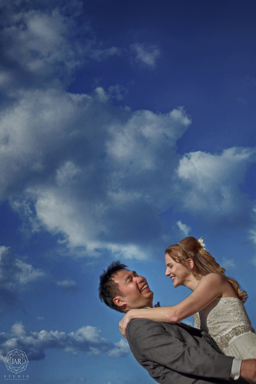 25-outside-wedding-fun-orlando-wedding-photographer-jarstudio.JPG