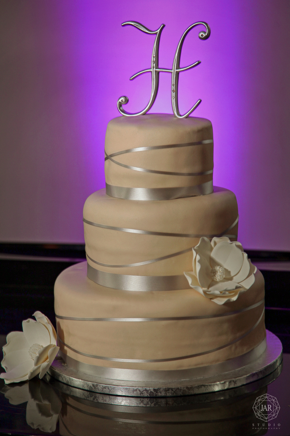 27-beautiful-wedding-cake-jarstudio-photography.JPG