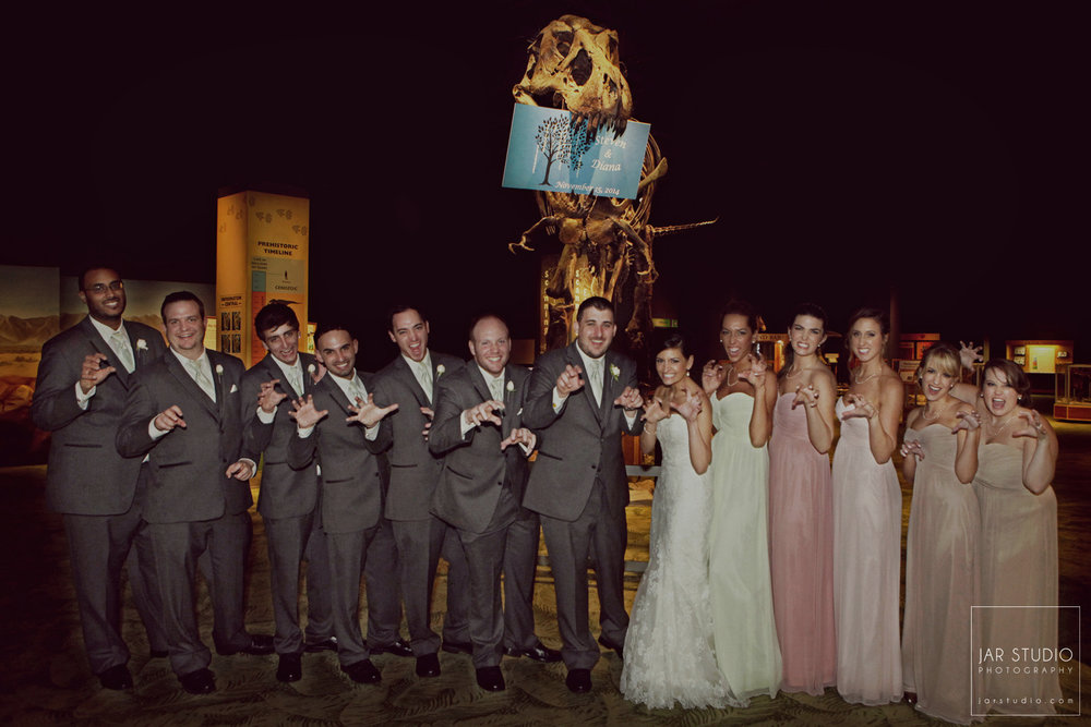 27-bridal-party-dinosaur-fun-jarstudio-wedding-photography-orlando-science-center.jpg